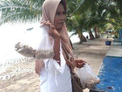 Terpaksa Pinjam Uang Untuk Beli Beras; Jeritan Pelaku Usaha Lokasi Wisata di Tapteng Dampak Corona