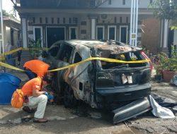 Mobil Anggota DPR Dibakar OTK; Dari Rekaman CCTV, Pelaku 2 Orang