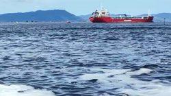 Perubahan Warna Air Laut Meluas Hingga Pelabuhan Lama; Dinas PKPLH Belum Mengetahui Dampaknya Terhadap Manusia